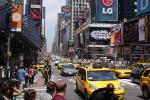 Det er mange drosjer i denne byen