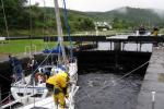 Ganske hardt arbeid, men vi var heldige å gjekk i lag med ein engelsk båt med fem ivrege karar ombord.
